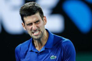 Djokovic fitore me vuajtje, Nishikori në çerekfinale pas duelit maratonë