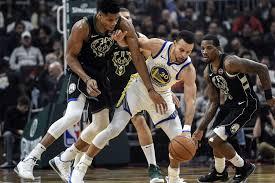 Spektakël në NBA- Warriors dhe Bucks vazhdojnë me fitore