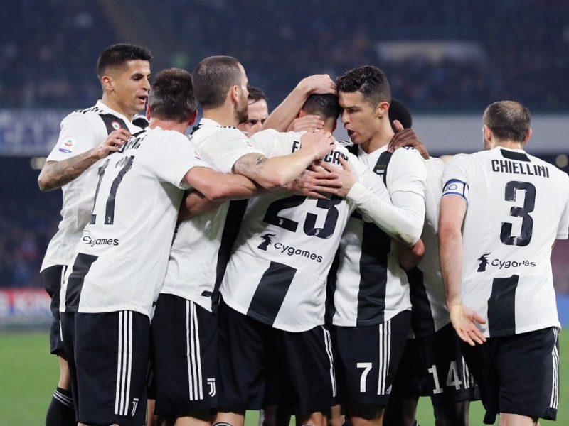 Juventus vendos rekord historik pas fitores në Napoli