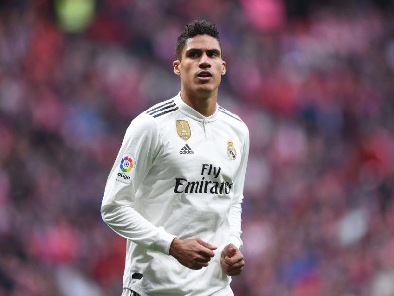 Varane refuzon ta diskutojë të ardhmen e tij në Real Madrid