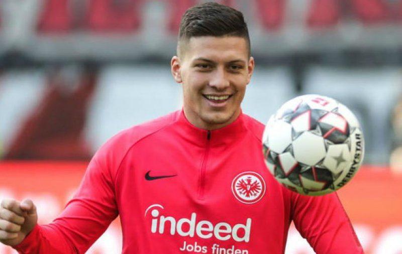 Bayerni në garë për Joviqin