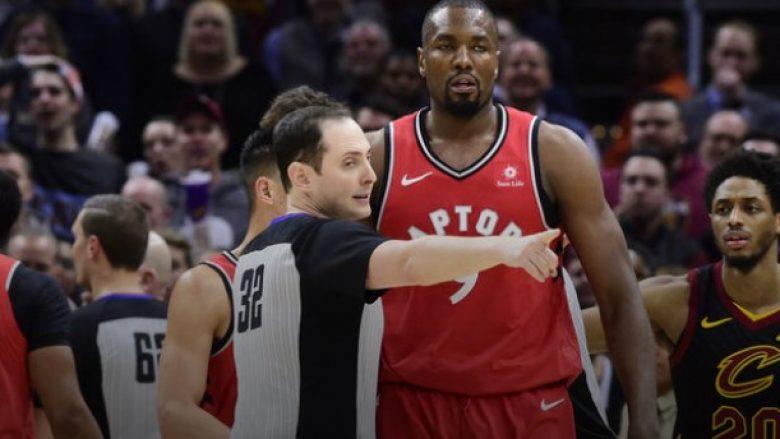 Rrahje me grushta në ndeshjen Toronto – Cavs, suspendime për Ibakan dhe Chriss