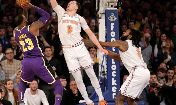 NBA: Brooklyn Nets fitojnë ndaj Los Angeles Lakers dhe James
