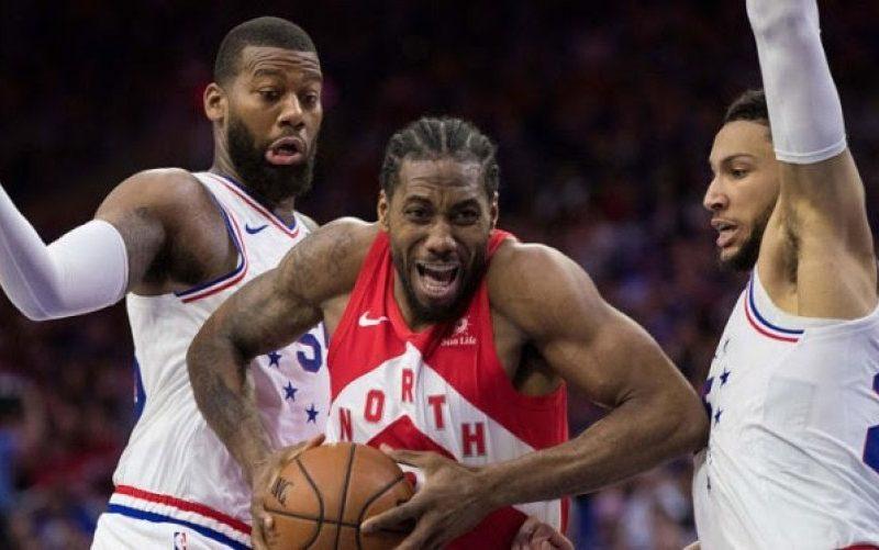 Leonard shkëlqen në fitoren e Raptors përballë 76-ers