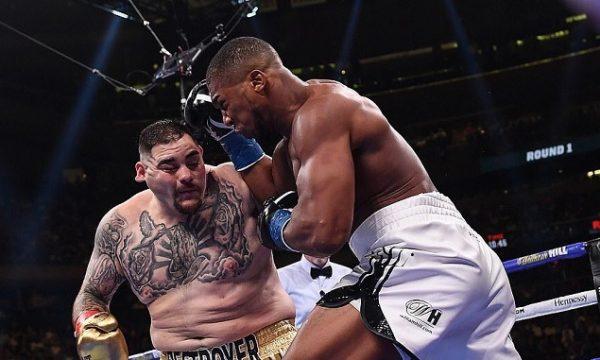 Joshua kërkon rimeç pas humbjes tronditëse ndaj Ruiz