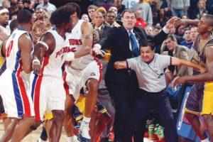 World Peace gjithmonë do të definohet nga rrahja që tronditi NBA-në