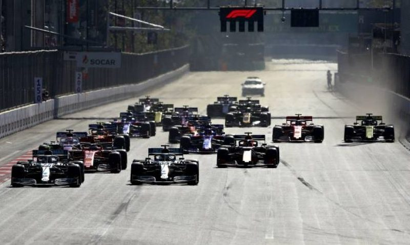 Bottas fiton në Azerbajxhan dhe merr kryesimin ndaj Hamiltonit