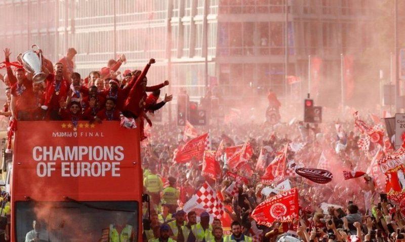 Gati 1 milion njerëz morën pjesë në paradën e Liverpoolit